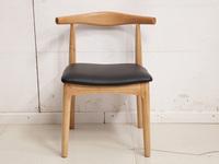 荣之鼎 北欧气概 原木色 餐椅 实木 软包 牛角椅