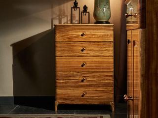 简乌金系列 乌金木(面板,侧板、背板、抽面、底框、脚)+柜桶松木(抽屉)+铜制拉手五斗柜