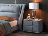 皮坊工艺 现代简约 扪皮+实木脚 浅蓝色床头柜