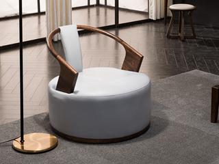 意式极简 优雅胡桃木框架 密度海绵 承托有力 皮艺座包 双扶手单人位沙发